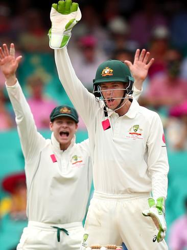 Keeper Peter Handscomb and Steve Smith appeal during the third Test against Pakistan.