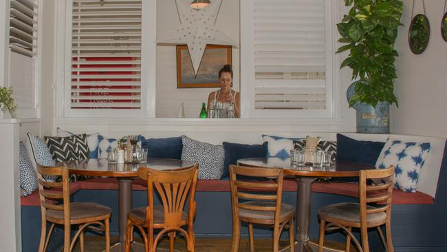 Fraser short and sean connolly take over balcony bar for Balcony bar byron bay menu