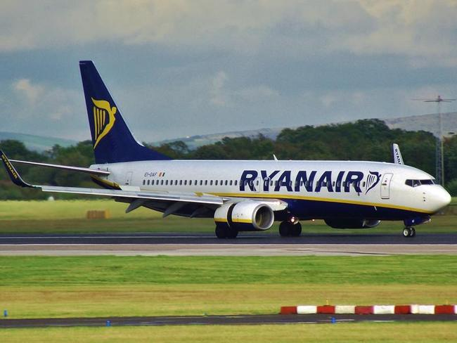Low-cost airline Ryanair has called for a two-drink limit at airports before boarding to try and curb rowdy behaviour.
