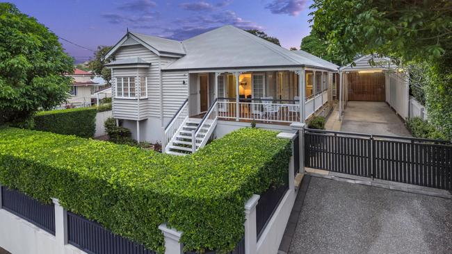 26 Queens Rd, Clayfield.