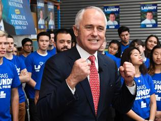 Australia's Prime Minister Malcolm Turnbull speaks at a campaign event in Sydney on July 1, 2016, as Australia's leaders make last-gasp pitches to wow voters with polls on the eve of elections pointing to a cliffhanger. Liberal Turnbull and Labor opposition leader Bill Shorten both opted to campaign in Sydney on their final day on the hustings as a poll in The Sydney Morning Herald showed them locked in a dead heat on a two-party basis. / AFP PHOTO / WILLIAM WEST