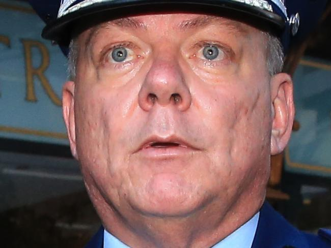Lawyer unleashes on siege top cop
