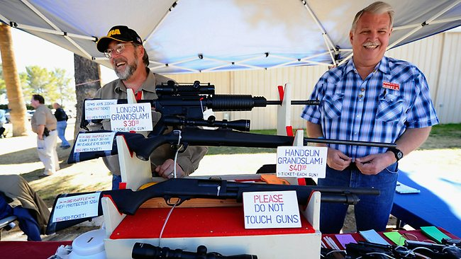US-GUN-SHOW-HEL