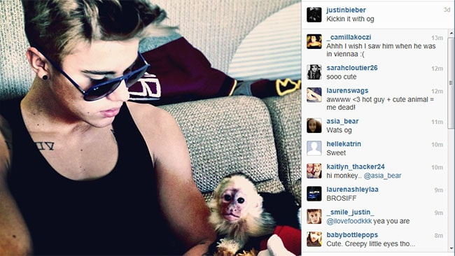 "Justin Bieber and his pet monkey Mally ""kickin it"" together. Picture: Justin Bieber / Instagram"