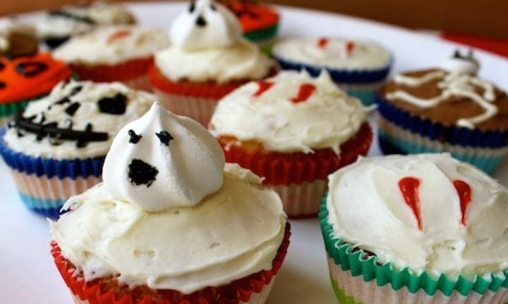 8 ways to make your cupcakes spooky:  <p>Planning to bake a batch of cupcakes? You can make them spooky in oh-so-many ways.</p>
