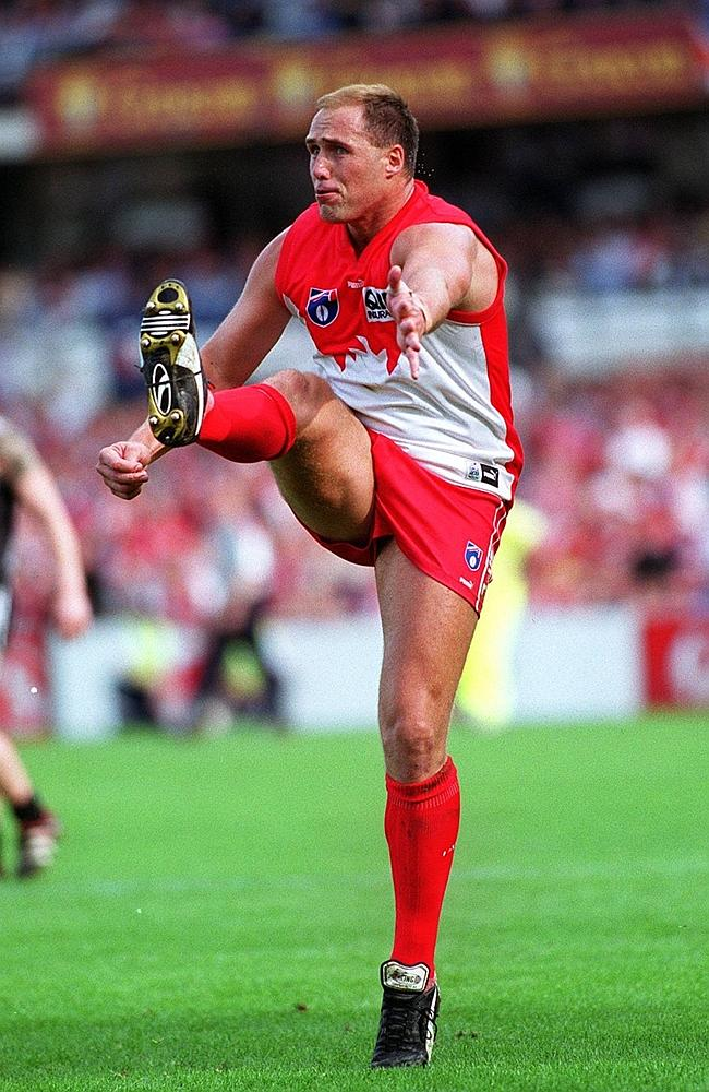 Tony Lockett, who has kicked more goals than any other VFL/AFL player, has been added in to the Herald Sun Team of the Century.