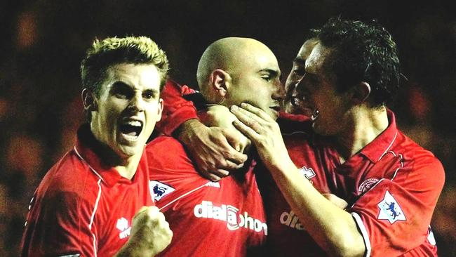 Former Middlesbrough player Massimo Maccarone has joined Brisbane Roar.