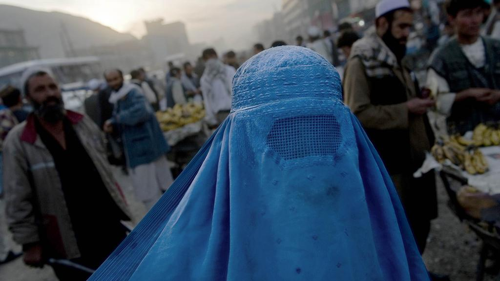 burqas and niqabs Home opinion no, the united states cannot ban hijab or niqab no, the united states cannot ban hijab or niqab by daniel patrick shaffer - states can ban muslims from wearing religious garb and more specifically if women can be banned from wearing hijabs, niqabs, and burqas.