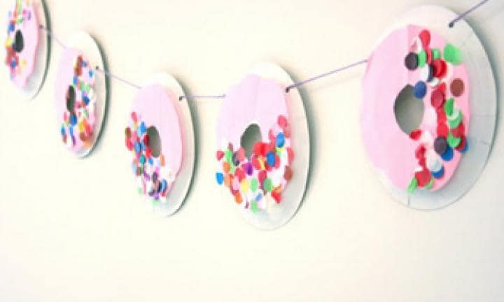 Make a pretty doughnut garland