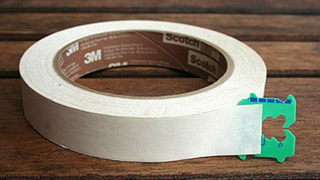 Keep your bread tabs and never struggle with sticky tape again. Picture: inmyownstyle.com