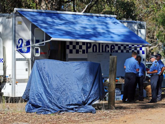 Western Australian police at the scene of the crime. Picture: Justin Benson-Cooper / The West Australian