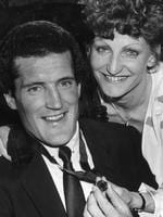 Ross Glendinning with the 1983 Brownlow Medal.