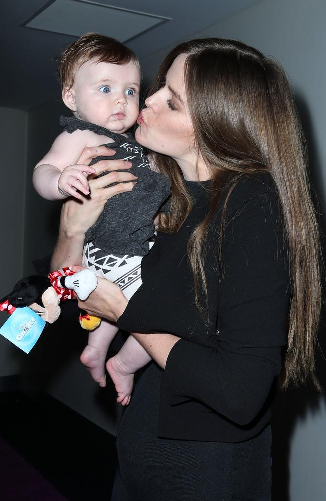 Robyn Lawley with her daughter Ripley.