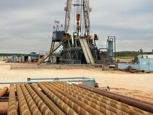 Beach Energy's Cooper Basin oil and gas fields. The Endeavour-1 shale gas well rig near Innamincka, SA.