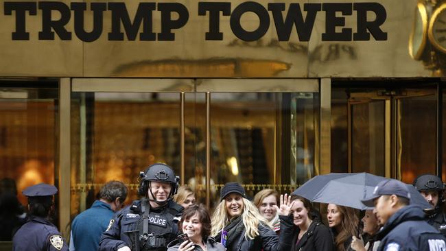Donald trump s new york penthouse inside his trump tower for Trump tower new york penthouse