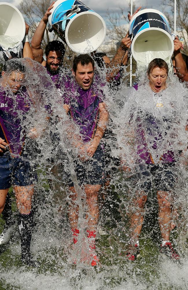 Billy Slater, Cameron Smith and Craig Bellamy take the ice bucket challenge.
