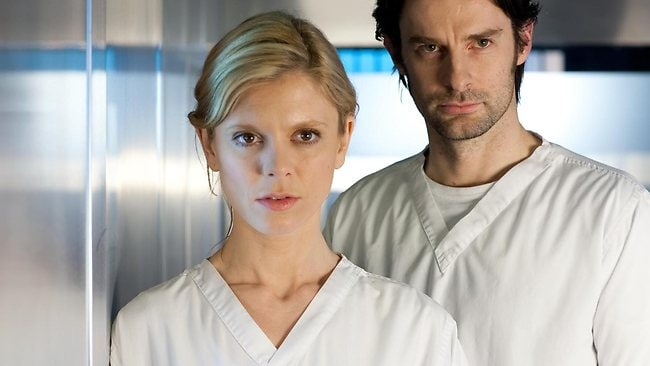 Dr Nikki Alexander (Emelia Fox) and Dr Harry Cunningham (Tom Ward) star in Silent Witness. Picture: ABC