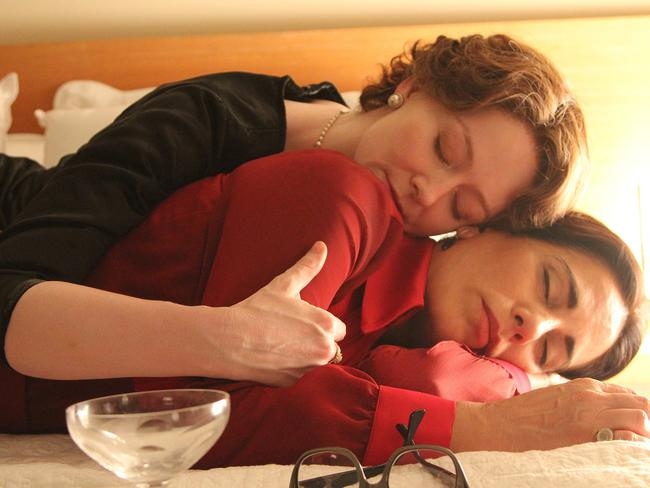 Miranda Otto is poet Elizabeth Bishop and Gloria Pires plays architect Lota Soares.