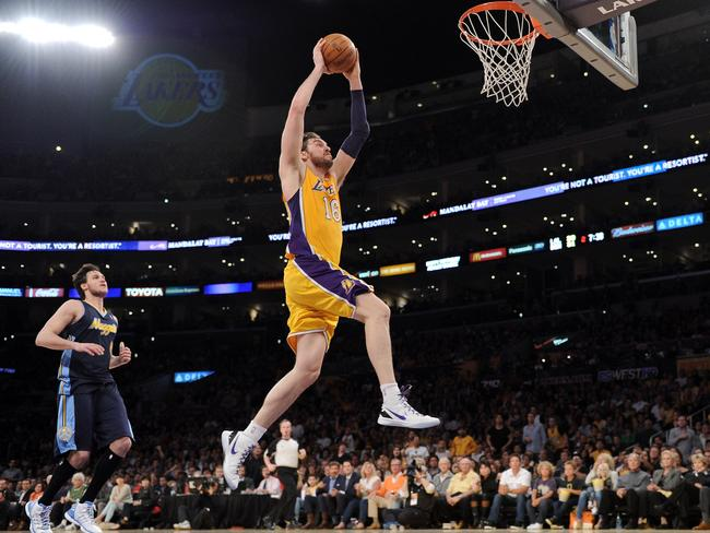 Paul Gasol throws down a slam for the Lakers.