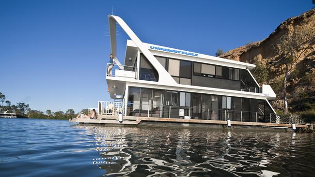 """Unforgettable 11 - """"The Vision"""". Image supplied by Unforgettable Houseboats Mannum."""