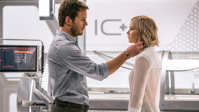 Chris Pratt and Jennifer Lawrence in Passengers.