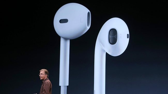 Apple SVP of Internet Software and Services Eddy Cue announces new Apple earphones called EarPods. Picture: Justin Sullivan