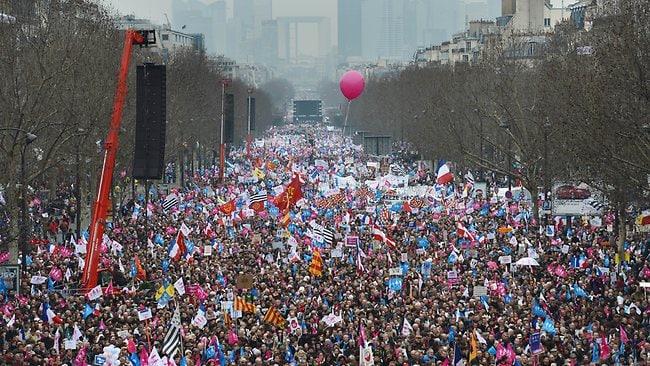 Paris gay marriage protest
