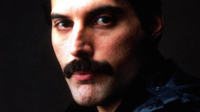 Freddie Mercury death: Queen singer had 'very little foot ...