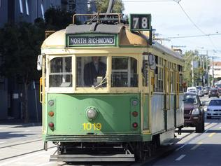 n32ck502 Feature on W class trams which are to be phased out.