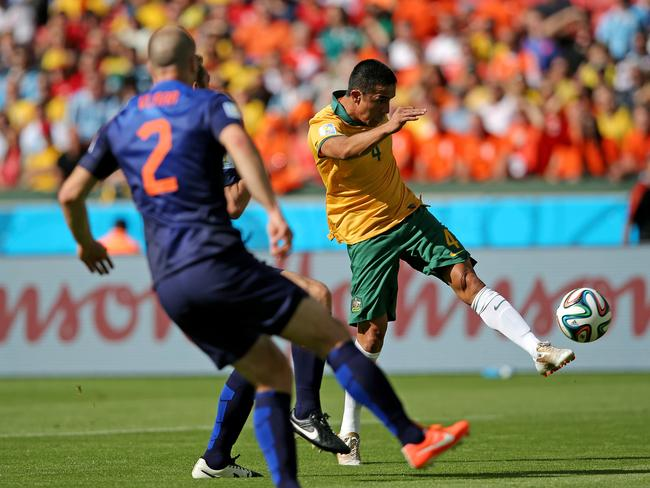 Tim Cahill scores an amazing goal for Australia against the Netherlands.
