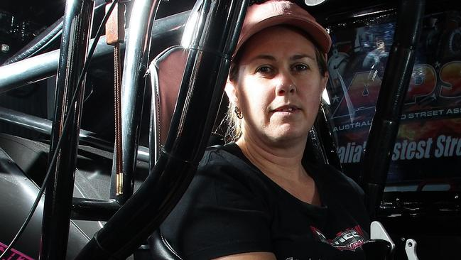 Top 10 Fastest Cars >> Michelle Davies is the fastest woman in the world in drag ...