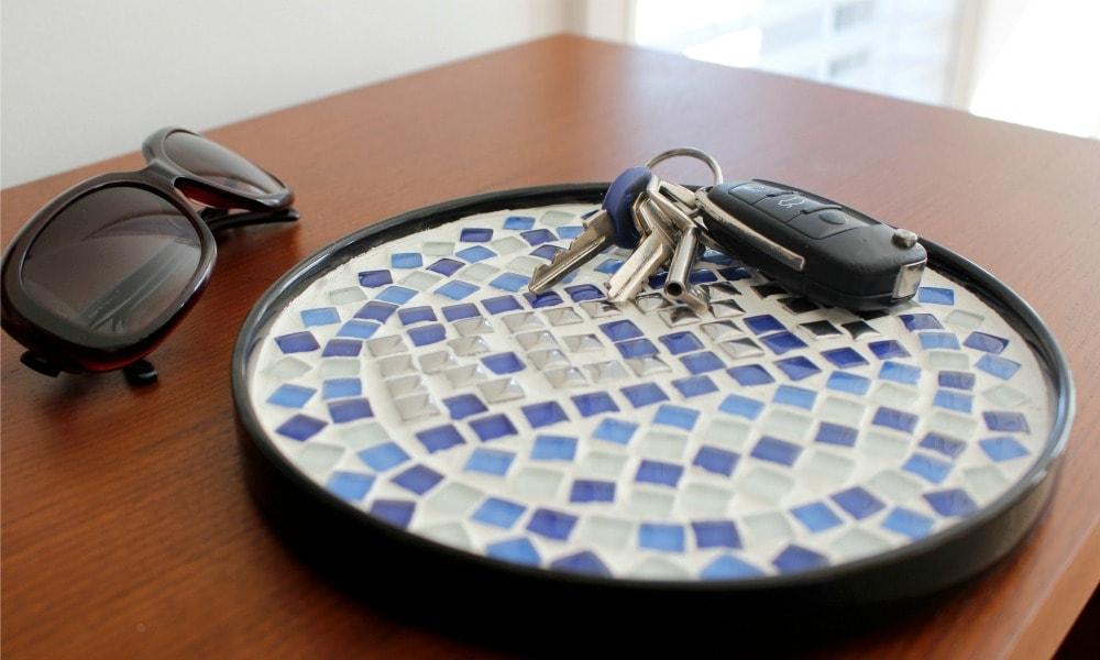DIY Decorative Mosaic Key Keeper 13_1000x600
