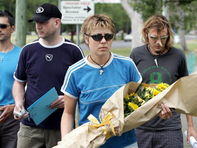 Kathrin Suckfuell (centre) and brother Tobias (right) visiting the site of Simone Strobel's her death in Lismore in 2005.