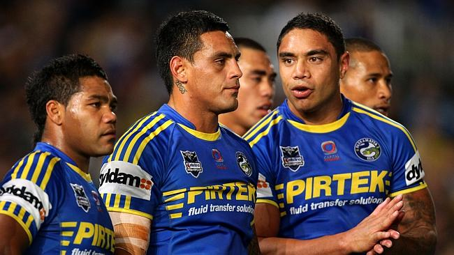 Chris Sandow, Reni Maitua and Willie Tonga look dejected playing for the Eels.