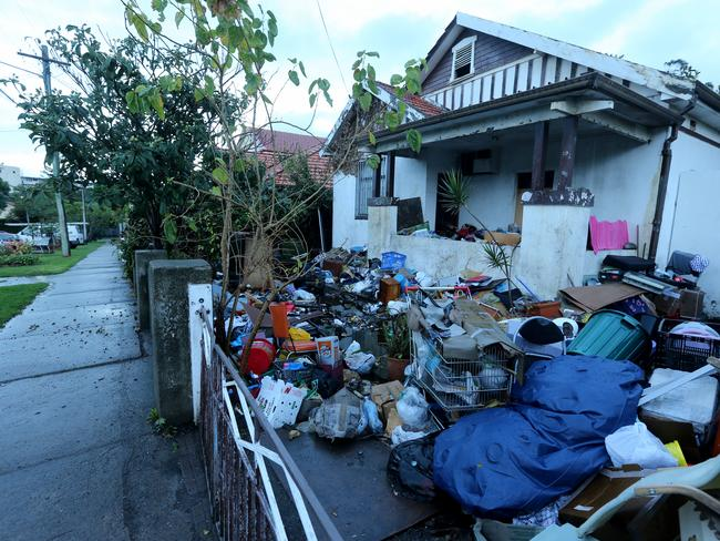 The rubbish house occupied by Mary, Elena and Liana Bobalas at 19 Boonara Ave Bondi has started collecting rubbish all over again.