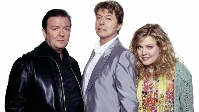 Gervais with Bowie and co-star Ashley Jensen in Extras.