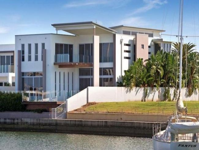 qld real estate palmer and tinkler sell up rinehart renovates the courier mail