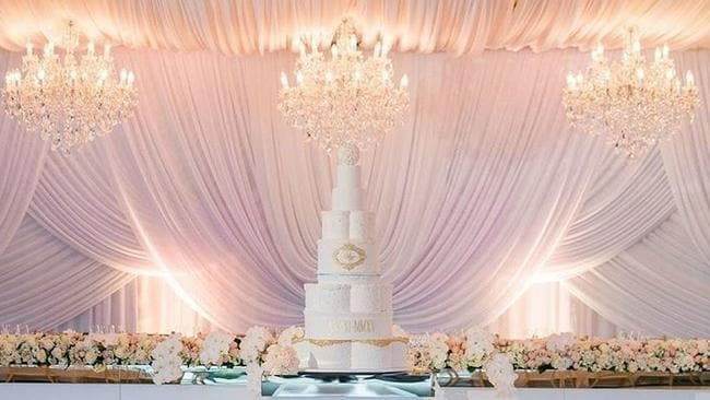 A bridal table taken to the next level. Picture: Nightengaleswedding / Instagram