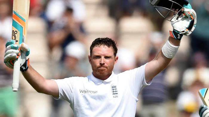 SOUTHAMPTON, ENGLAND - JULY 28: England batsman Ian Bell celebrates his century as Moeen Ali applauds during day two of the 3rd Investec Test at Ageas Bowl on July 28, 2014 in Southampton, England. (Photo by Stu Forster/Getty Images)