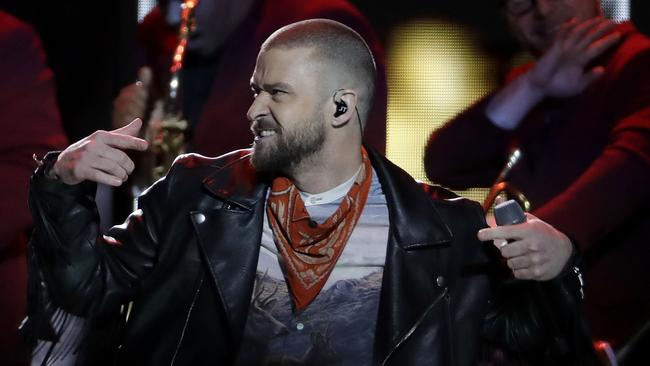 Jam-packed Timberlake halftime show fails to dazzle