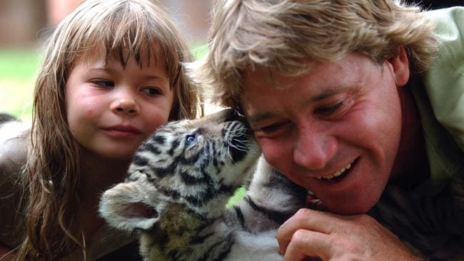 "In 2003 with her dad, ""The Crocodile Hunter"" Steve Irwin. (AAP Image/Tony Phillips)"
