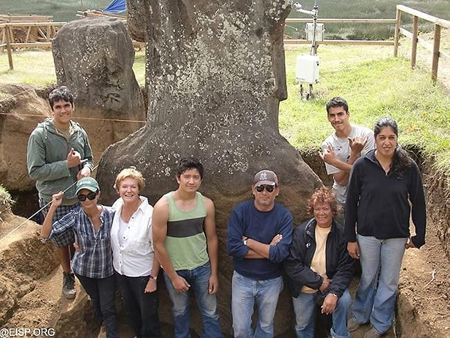 UCLA's Jo Anne Van Tilburg and her team: an all-Rapa Nui field crew works on the excavations, with the assistance of a core goup of Rapa Nui elders. Picture: Easter Island Statue Project.