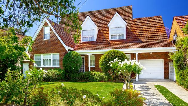 Young family pays 250k over reserve for house in strathfield for Building a house for 250k