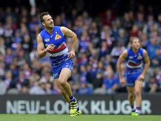 Tory Dickson of the Western Bulldogs scores a goal during the Round 10 AFL match between the Western Bulldogs and the St Kilda Saints at Etihad Stadium in Melbourne, Saturday, May 27, 2017. (AAP Image/Tracey Nearmy) NO ARCHIVING, EDITORIAL USE ONLY