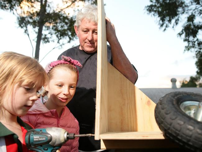Man Cave Barber Rouse Hill : Rouse hill billy cart derby a family favourite news local