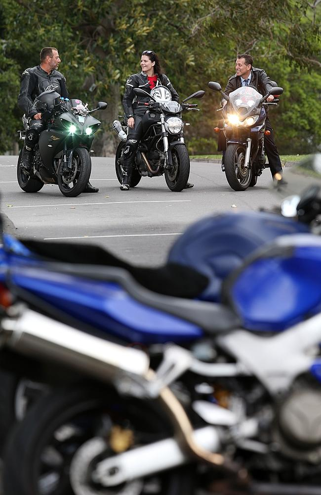 Motorcyclists will now be able to travel between lanes of halted or slow-moving cars.