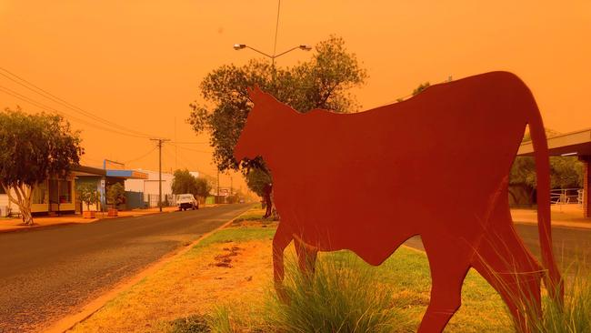 charleville dust storm qld weather severe thunderstorm warning  courier mail