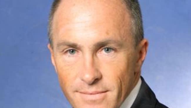 Plunging oil price huge benefit to Australians ... Commsec chief economist Craig James.