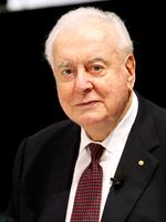 Former Prime Minister Gough Whitlam lunch at the Brisbane Convention Centre as part of the reprint of his book, The Truth of The Matter 18 Nov 2005.