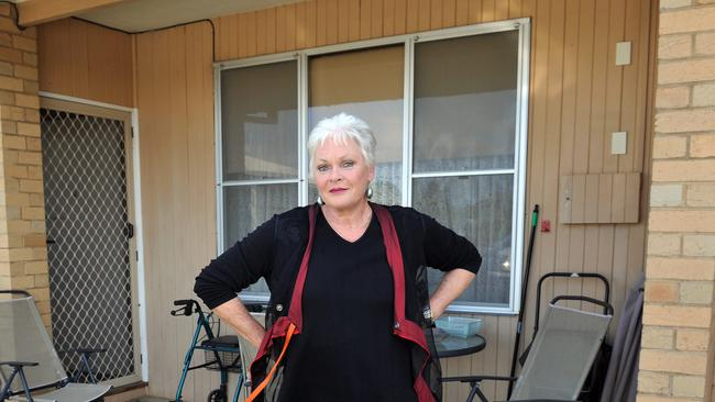 au train senior dating site Meet older women over 40 in your area for dating and intimate encounters local senior singles are looking to meet other senior people in.